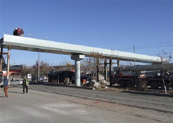 过街天桥完工